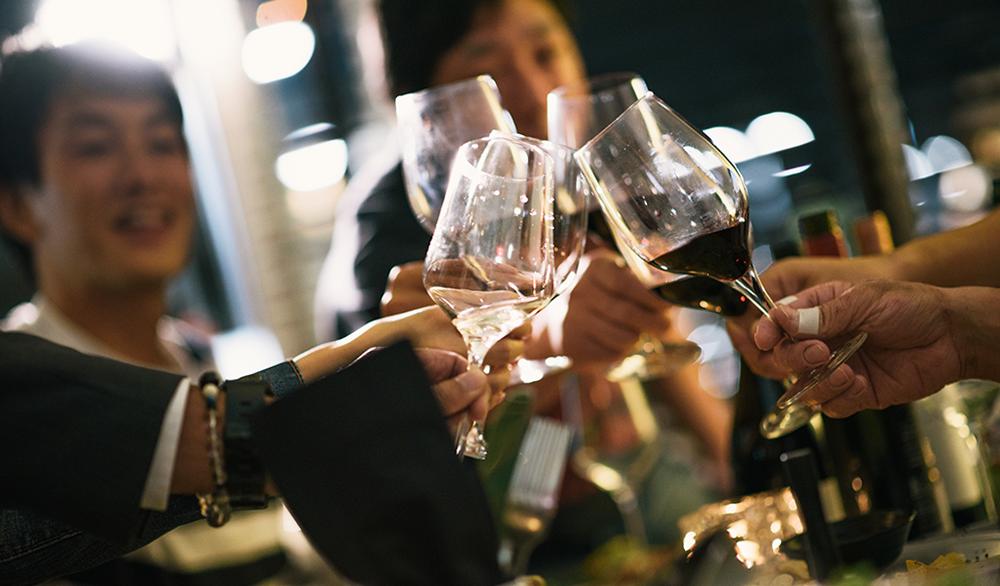 Wine Bar Loba(ワインバー ロバ)の店内